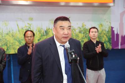汉中市建筑业协会会长刘宝安主持开幕式